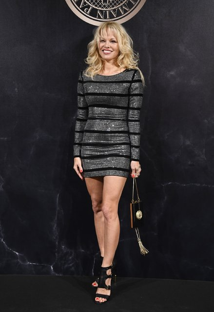 Pamela Anderson attends the L'Oreal Paris X Balmain event as part of the Paris Fashion Week Womenswear  Spring/Summer 2018 on September 28, 2017 in Paris, France. (Photo by Pascal Le Segretain/Getty Images)