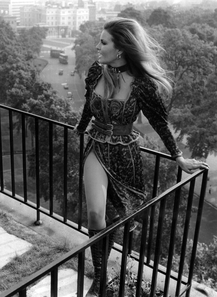 """""""On a Balcony"""" [Oldies]"""
