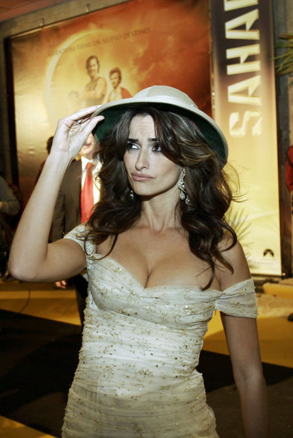 """Spanish actress Penelope Cruz arrive at the debut of the film """"Sahara"""" in Madrid, Wednesday 13, 2005. (Photo by Mariana Silvia Eliano/Cover/Getty Images)"""