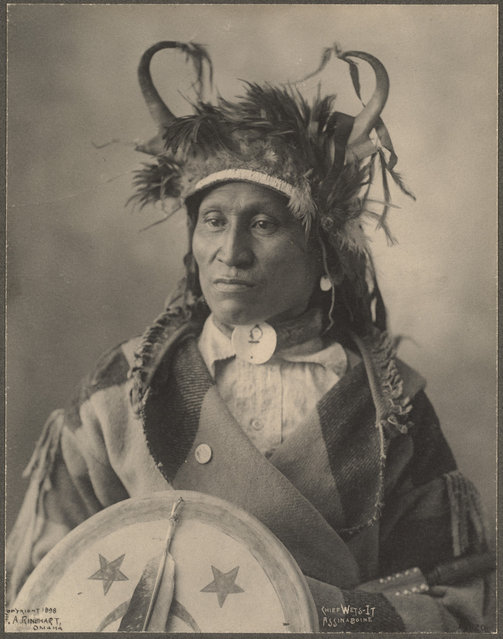 Chief Wets-It, Assinaboine, 1899. (Photo by Frank A. Rinehart)