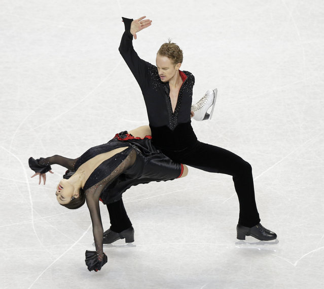 Madison Chock, left, and Evan Bates perform during the short dance program at the U.S. Figure Skating Championships in Greensboro, N.C., Friday, January 23, 2015. (Photo by Chuck Burton/AP Photo)