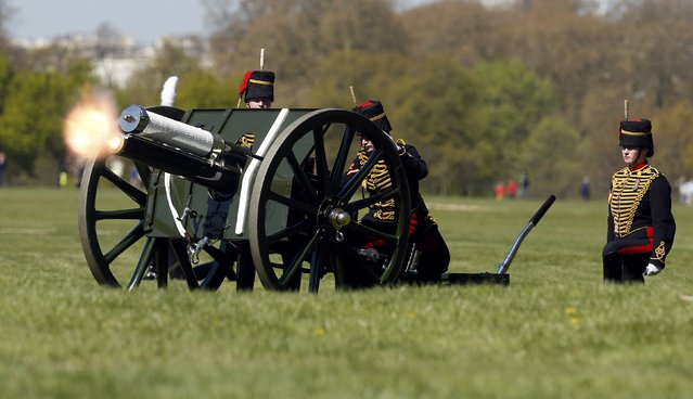 Soldiers from The King's Troop Royal Horse Artillery mark the eighty ninth birthday of Britain's Queen Elizabeth with a forty one round Royal Salute in Hyde Park, London, April 21, 2015. (Photo by Cathal McNaughton/Reuters)