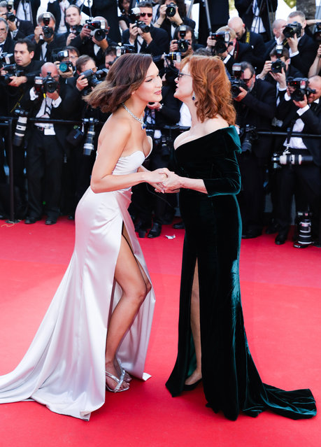 """Bella Hadid (L) and Susan Sarandon attend the """"Ismael's Ghosts (Les Fantomes d'Ismael)"""" screening and Opening Gala during the 70th annual Cannes Film Festival at Palais des Festivals on May 17, 2017 in Cannes, France. (Photo by Ki Price/Getty Images)"""