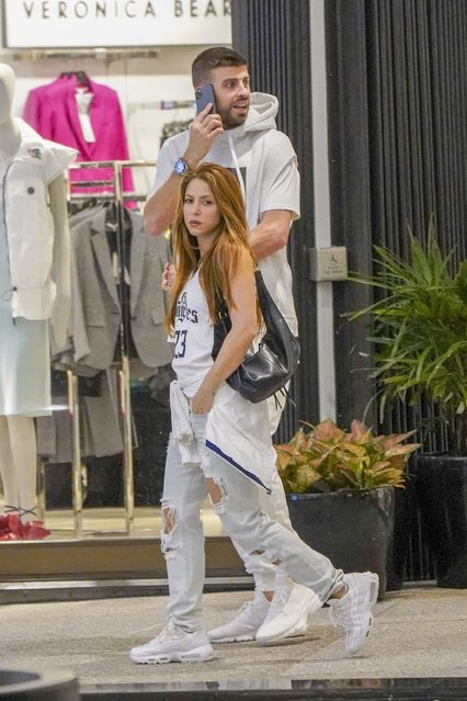 Songstress Shakira and hubby Gerard Pique hold onto each other as they walk around a Miami shopping center with the Holidays just around the corner on December 23, 2019. (Photo by Backgrid USA)