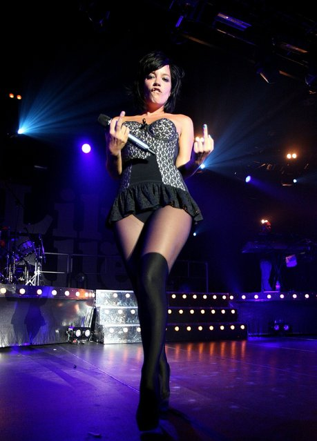 British singer Lily Allen performs on stage in concert at the Hordern Pavilion on January 21, 2010 in Sydney, Australia. (Photo by Graham Denholm/Getty Images)