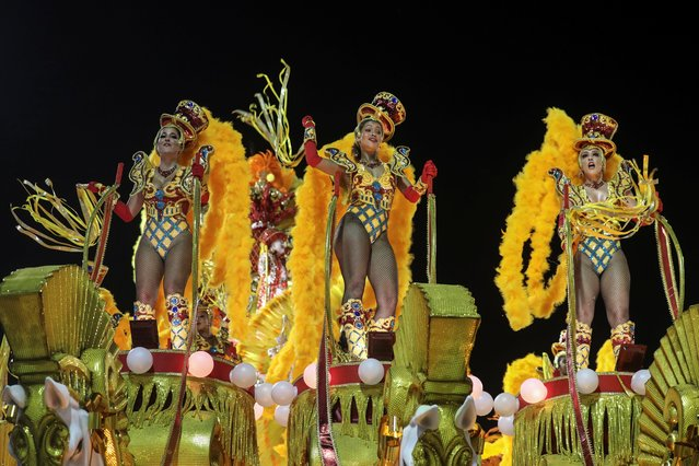 Members of Salgueiro samba school perform during the second night of the Carnival parade at the Sambadrome in Rio de Janeiro, Brazil on February 24, 2020. (Photo by Sergio Moraes/Reuters)