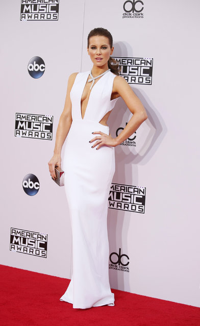 Actress Kate Beckinsale arrives at the 42nd American Music Awards in Los Angeles. (Photo by Danny Moloshok/Reuters)
