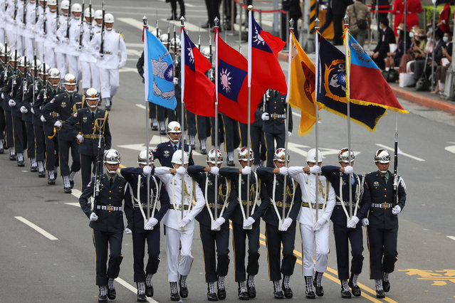Military honour guards take part in the National Day celebrations in Taipei, Taiwan on October 10, 2020. (Photo by Ann Wang/Reuters)