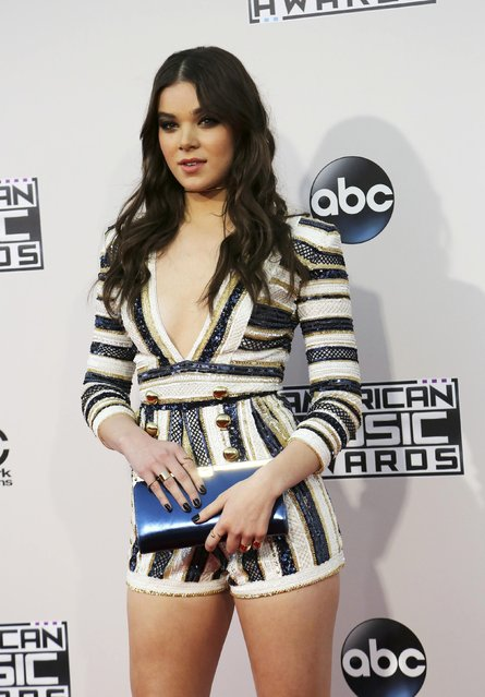 Actress Hailee Steinfeld arrives at the 2015 American Music Awards in Los Angeles, California November 22, 2015. (Photo by David McNew/Reuters)
