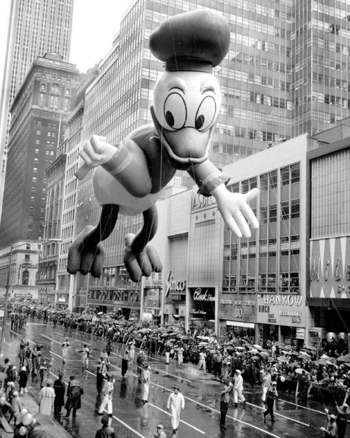 It sure is a fine day for ducks, says Donald as he floats down the street in the Macy's Thanksgiving Day parade, 1962. (Photo by Gordon Rynders/NY Daily News Archive via Getty Images)