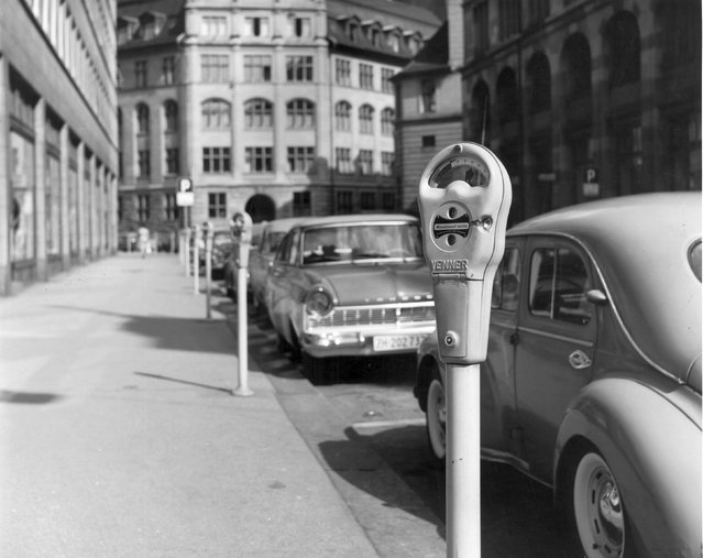 Parking meters on the streets of Zurich, September 1962. (Photo by Terry Chambers/Fox Photos/Getty Images)