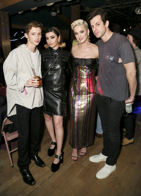 """(L-R) Troye Sivan, Charli XCX, Katy Perry and Mark Ronson attend Mark Ronson's """"Club Heartbreak"""" Grammy Party, sponsored by Absolut Elyx on February 10, 2019 in Los Angeles, California. (Photo by Gabriel Olsen/Getty Images for Absolut Elyx )"""