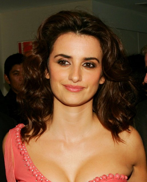"""Actress Penelope Cruz  attends a Sony Pictures Classics & The New York Film Festival screening of """"Volver"""" at Alice Tully Hall October 7, 2006 in New York City.  (Photo by Evan Agostini/Getty Images)"""
