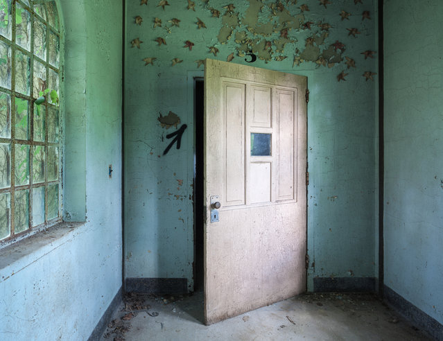 A doorway in the boys ward of the childrens building. (Photo by Will Ellis/Caters News)
