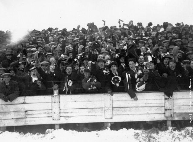 Football Fans 1900–1940
