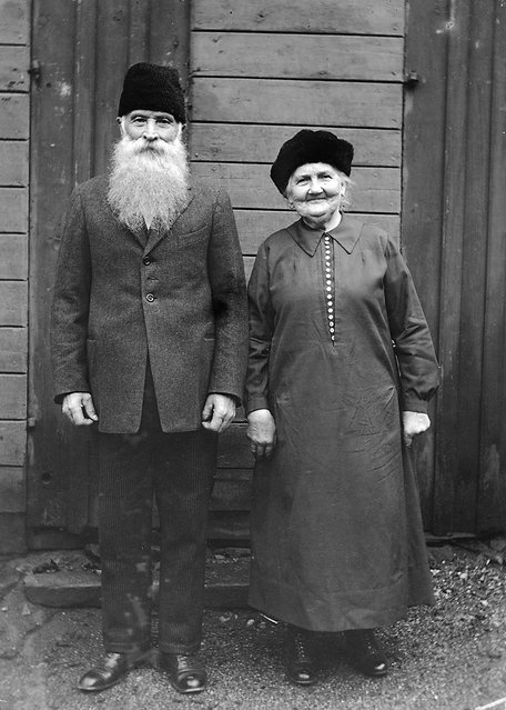 Mr and Mrs Lundström, Gävle, Gästrikland, Sweden. The coachman C. P. Lundström, born in 1851, and his wife. Resident in Södra Trädgårdsgatan street in Gävle. 30.11.1930. (Photo by Einar Erici)