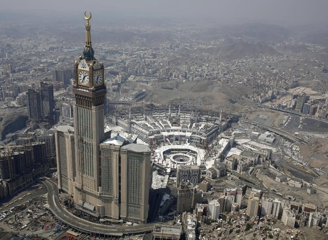 An aerial view of the Grand Mosque is seen on the second day of Eid al-Adha, during the annual haj pilgrimage in the holy city of Mecca September 25, 2015. (Photo by Ahmad Masood/Reuters)