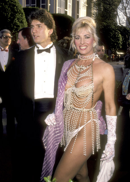 Actress Edy Williams attends the 58th Annual Academy Awards on March 24, 1986 at Dorothy Chandler Pavilion in Los Angeles, California. (Photo by Ron Galella/WireImage)