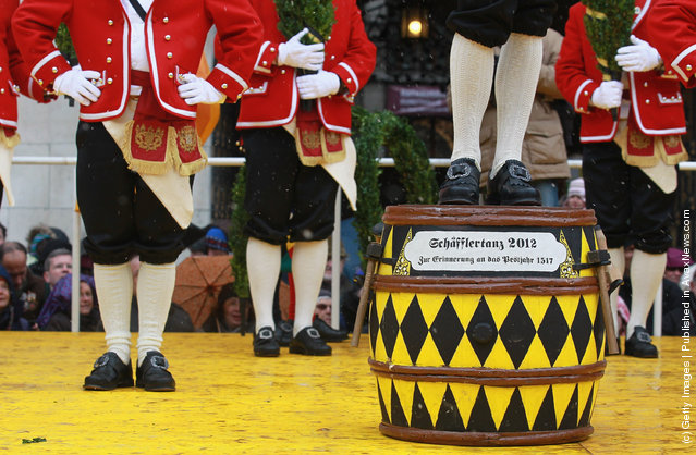 Coopers' Dance Continues In 495-Year-Old Tradition