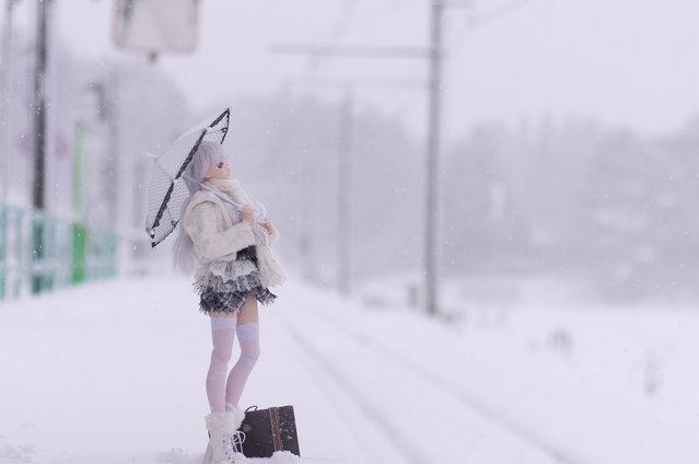 Waiting. Model: DollfieDream Rina Ogata