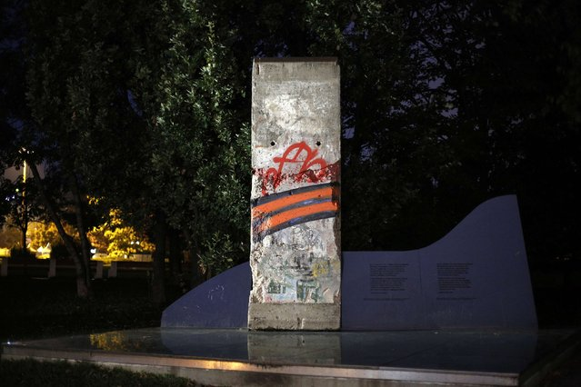 A segment of the Berlin Wall is seen in a park in central Sofia October 29, 2014. (Photo by Stoyan Nenov/Reuters)