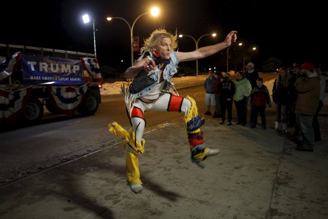 """""""Marvelous Marquee Mike"""" performs a parody of the Van Halen song """"Jump"""" outside a campaign rally with U.S. Republican presidential candidate Donald Trump in Marshalltown, Iowa January 26, 2016. (Photo by Brian Snyder/Reuters)"""