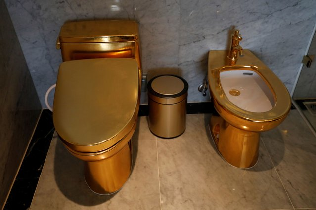 Gold plated toilets are seen at the newly-inaugurated Dolce Hanoi Golden Lake hotel, after the government eased a nationwide lockdown following the global outbreak of the coronavirus disease (COVID-19), in Hanoi, Vietnam on July 2, 2020. (Photo by Reuters/Kham)