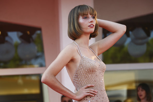 """American actress and model Maya Hawke poses for photographers upon arrival at the premiere for the film """"Mainstream"""" during the 77th edition of the Venice Film Festival in Venice, Italy, Saturday, September 5, 2020. (Photo by Joel C Ryan/Invision/AP Photo)"""