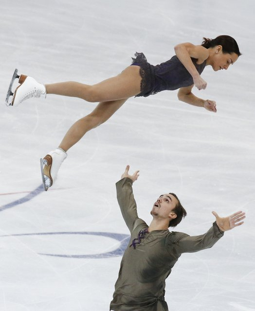 Russia's Ksenia Stolbova and Fedor Klimov perform during the pairs free skating program at the Rostelecom Cup ISU Grand Prix of Figure Skating in Moscow November 15, 2014. (Photo by Grigory Dukor/Reuters)