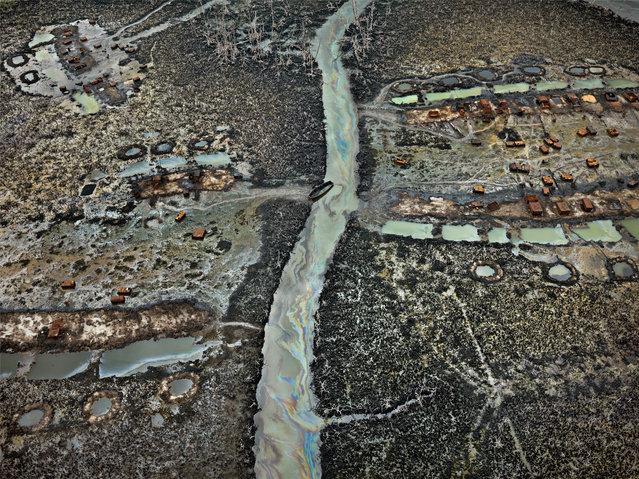 Oil Bunkering #1, Niger Delta, Nigeria, 2016. (Photo by Edward Burtynsky/Metivier Gallery, Toronto/Flowers Gallery, London)