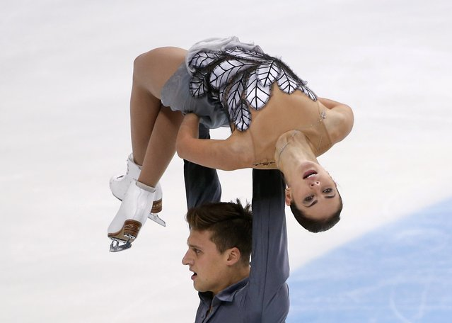 Figure Skating, ISU Grand Prix Rostelecom Cup 2016/2017, Pairs Free Skating in Moscow, Russia on November 5, 2016. Natalia Zabiiako and Alexander Enbert of Russia compete. (Photo by Grigory Dukor/Reuters)