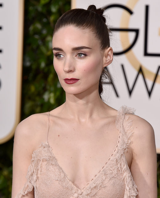 Rooney Mara arrives at the 73rd annual Golden Globe Awards on Sunday, January 10, 2016, at the Beverly Hilton Hotel in Beverly Hills, Calif. (Photo by Jordan Strauss/Invision/AP Photo)