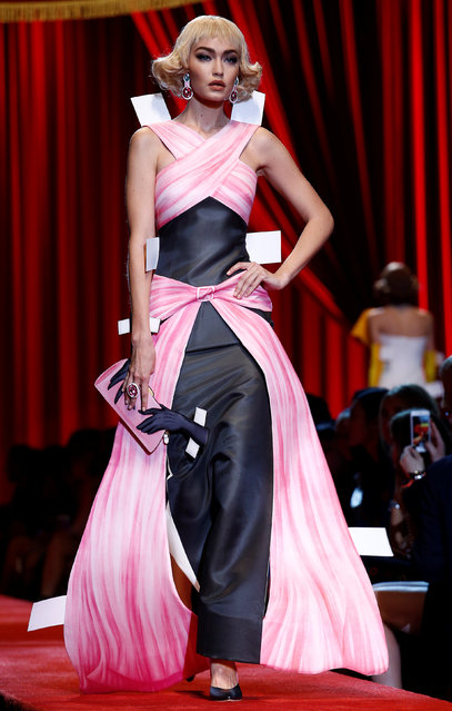 Model Gigi Hadid presents a creation at the Moschino fashion show during Milan Fashion Week Spring/Summer 2017 in Milan, Italy, September 22, 2016. (Photo by Alessandro Garofalo/Reuters)