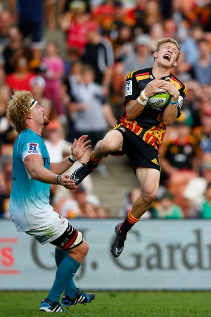 Damian McKenzie of the Chiefs collects the high ball during the round seven Super Rugby match between the Chiefs and the Cheetahs at Waikato Stadium on March 28, 2015 in Hamilton, New Zealand. (Photo by Phil Walter/Getty Images)