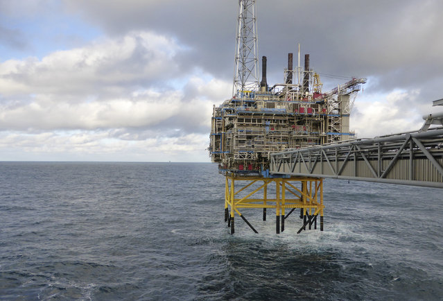 Oil and gas company Statoil gas processing and CO2 removal platform Sleipner T is pictured in the offshore near the Stavanger, Norway, February 11, 2016. (Photo by Nerijus Adomaitis/Reuters)