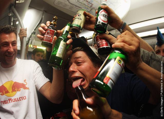 Revelers Heed Facebook Hamburg Public Drinking Call