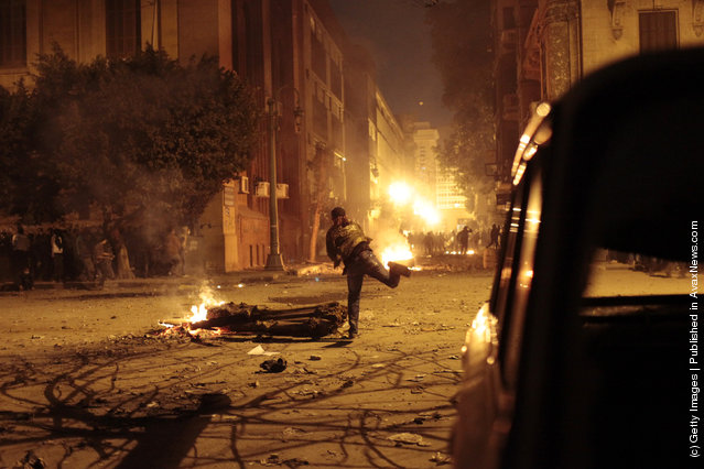 Egyptian Protesters Clash With Police