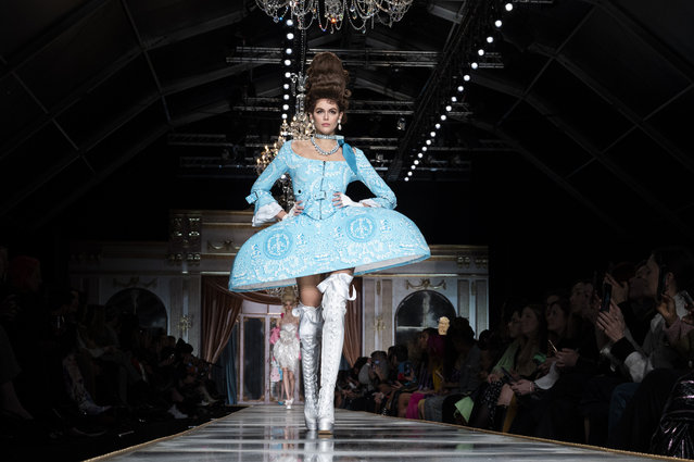 Kaia Gerber walks the runway during the Moschino fashion show as part of Milan Fashion Week Fall/Winter 2020-2021 on February 20, 2020 in Milan, Italy. (Photo by Pietro D'Aprano/Getty Images)