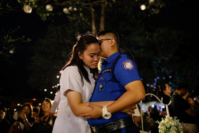 A same-sеx couple embraces during a ceremonial exchange of vows in a country where same-sеx marriage remains illegal, on Valentine's Day, in Quezon City, Metro Manila, Philippines, February 14, 2020. (Photo by Eloisa Lopez/Reuters)