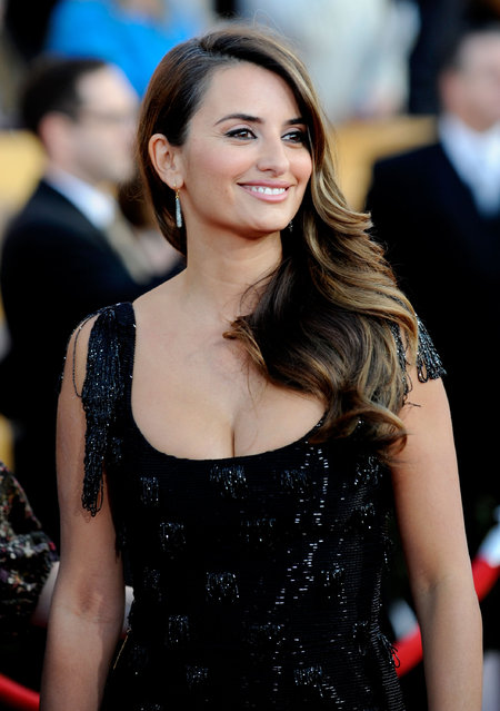 Actress Penelope Cruz  arrives at the 16th Annual Screen Actors Guild Awards held at the Shrine Auditorium on January 23, 2010 in Los Angeles, California. (Photo by Kevork Djansezian/Getty Images)
