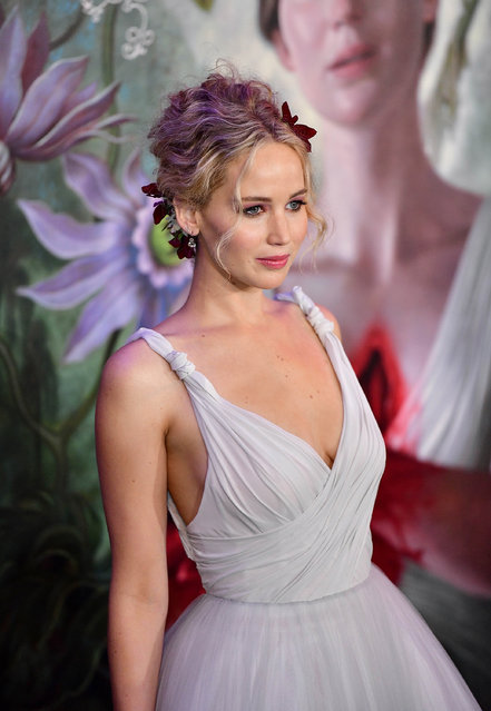 """Jennifer Lawrence attends """"mother!"""" New York premiere at Radio City Music Hall on September 13, 2017 in New York City. (Photo by James Devaney/FilmMagic)"""