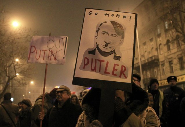 Supporters of Egyutt (Together) opposition party attend a rally to protest against the visit of Russian President Vladimir Putin in Budapest, Hungary, February 2, 2017. (Photo by Bernadett Szabo/Reuters)