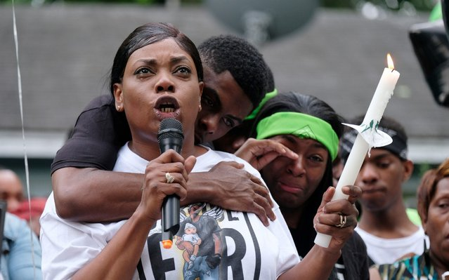 Jaleta Clark, mother of Brandon Webber, speaks during a vigil in memory of her son, two days after he was shot dead by law enforcement officers, in Memphis, Tennessee, U.S., June 14, 2019. (Photo by Ricardo Arduengo/Reuters)