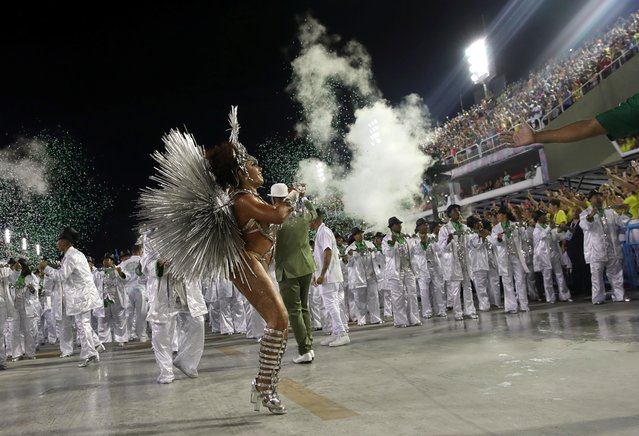 Drum queen Giovanna Angelica of Mocidade samba school performs during the second night of the Carnival parade at the Sambadrome in Rio de Janeiro, Brazil on February 25, 2020. (Photo by Ricardo Moraes/Reuters)