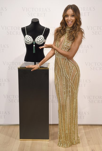 Victoria's Secret Angel Jasmine Tookes reveals the $3 Million 2016 Bright Night Fantasy Bra at Victoria's Secret, Fifth Ave on October 26, 2016 in New York City. (Photo by Dimitrios Kambouris/Getty Images for Victoria's Secret)
