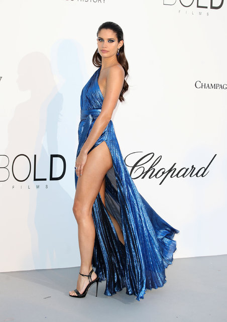 Sara Sampaio arrives at the amfAR Gala Cannes 2018 at Hotel du Cap-Eden-Roc on May 17, 2018 in Cap d'Antibes, France. (Photo by Mike Marsland/Mike Marsland/WireImage)