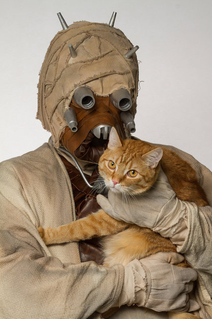 A Tusken Raider with a cat. (Photo by Rohit Saxena/Caters News)