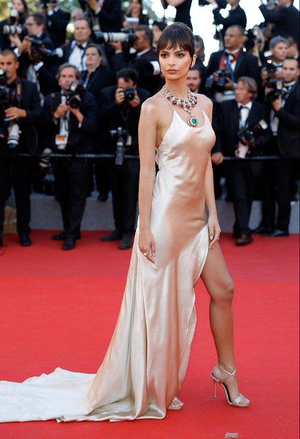 """Emily Ratajkowski attends the """"Ismael's Ghosts (Les Fantomes d'Ismael)"""" screening and Opening Gala during the 70th annual Cannes Film Festival at Palais des Festivals on May 17, 2017 in Cannes, France. (Photo by Andreas Rentz/Getty Images)"""