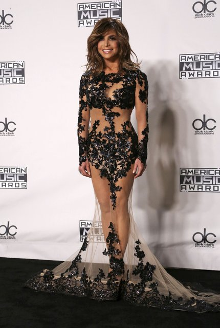 Singer Paula Abdul poses backstage at the 2015 American Music Awards in Los Angeles, California November 22, 2015. (Photo by David McNew/Reuters)