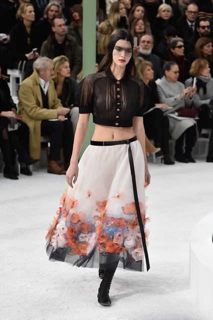 Model Kendall Jenner walks the runway during the Chanel show as part of Paris Fashion Week Haute Couture Spring/Summer 2015 on January 27, 2015 in Paris, France. (Photo by Pascal Le Segretain/Getty Images)